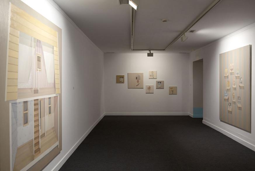 """GloriaMartín. Vista de la exposición """"Casa, Cabaña, Gabinete"""" Fundación Cajasol. Jerez de la Frontera, mayo 2010."""